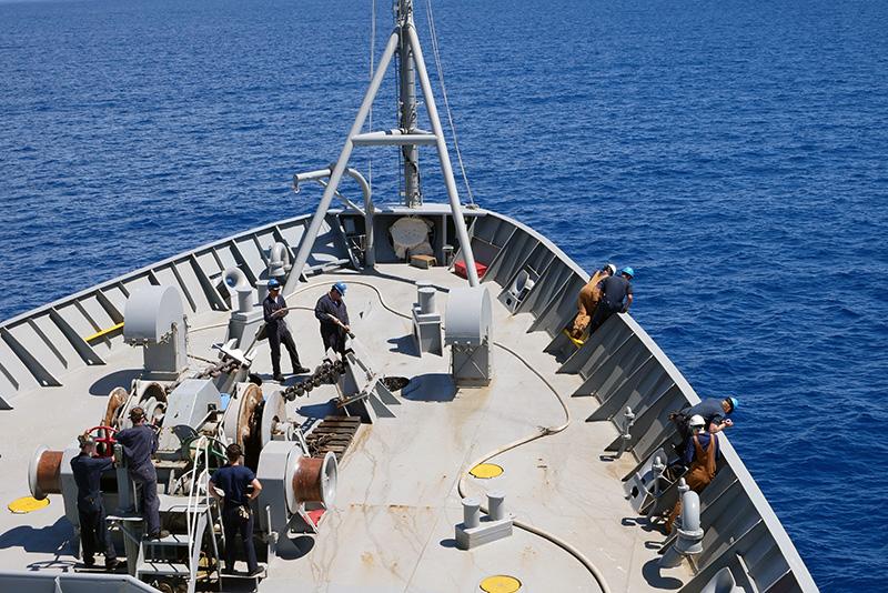Raising anchor from Lahaina